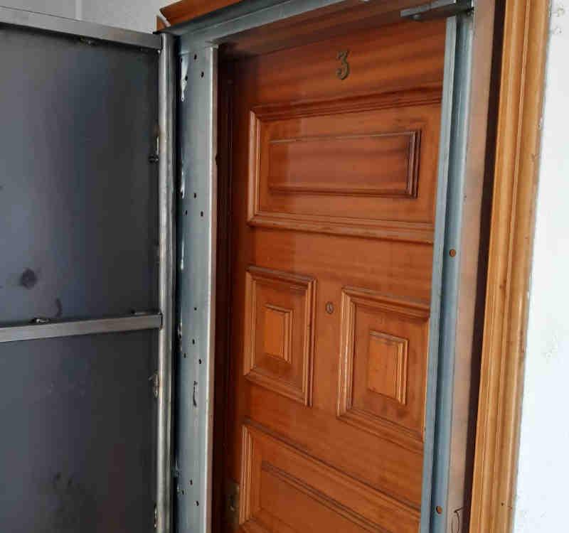 woo1 800x750 - Comprar Puerta Antiokupas de Seguridad