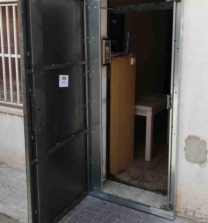 IMG 20190724 WA0021 800x860 - Puertas Antiokupas